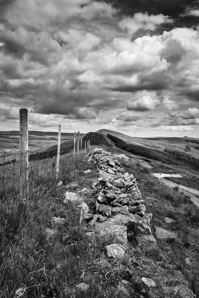 peak district in black and white loose hill