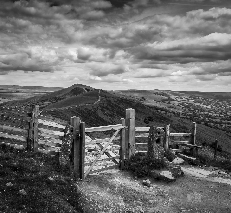 peak district in black and white mam tor gate