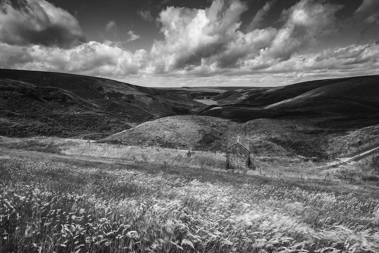 peak district in black and white wessenden moor