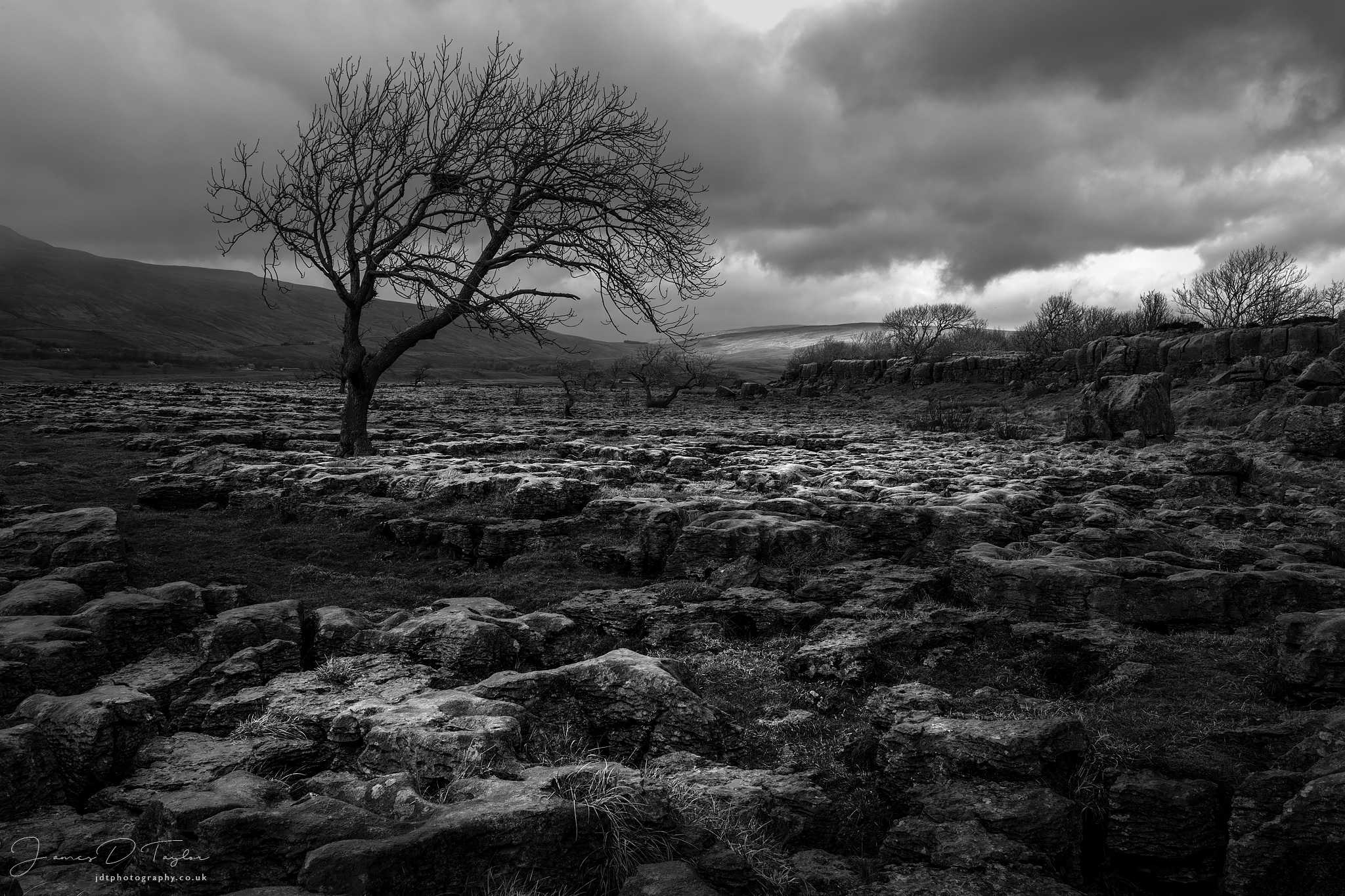 yorkshire dales atmospheric limestone pavement