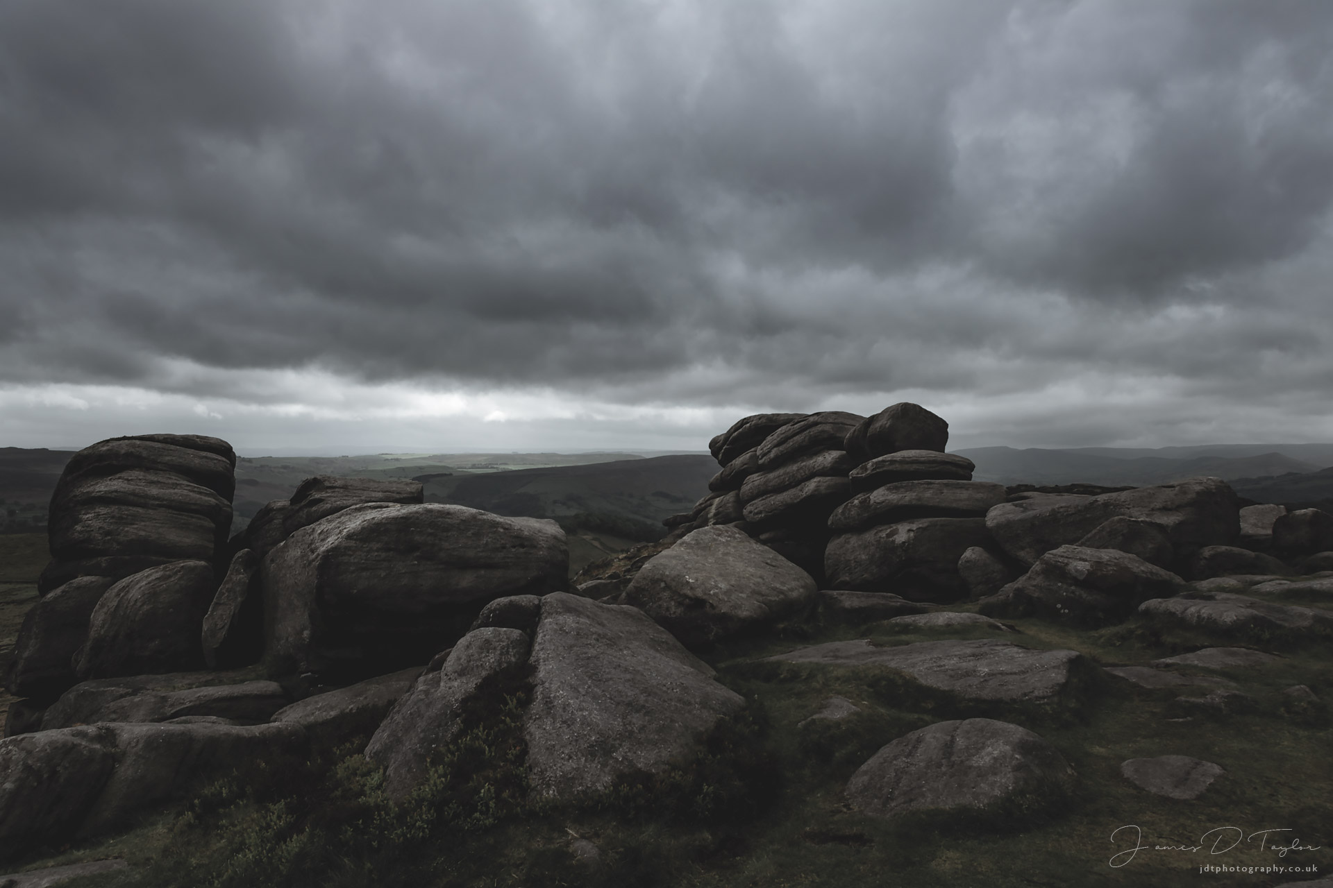 jdtphotography.co.uk-storm-higger-tor